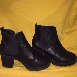 Black high heeled Chelsea boots